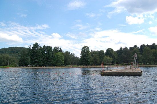 Allegany State Park Campground: Red House Lake Swimming Area