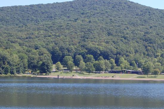 Allegany State Park Campground: Quaker Lake Swimming Area