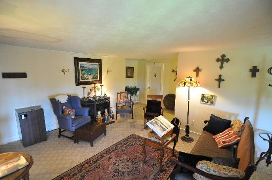 Seaside Inn At Hatteras: upper living area