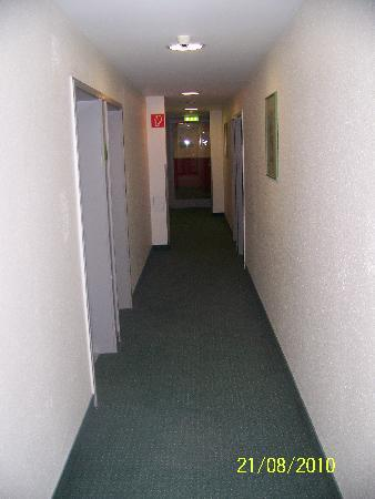 Panorama Inn Hotel And Boardinghaus: Etagenflur