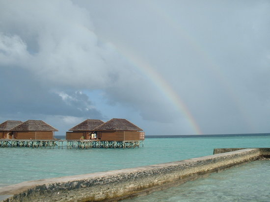 Veligandu Island Resort & Spa: sorry for the rain