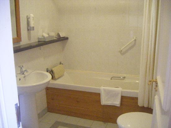 Hodson Bay Hotel : bathroom