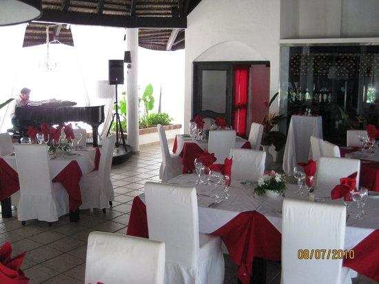 Maraja' Beach: dining room