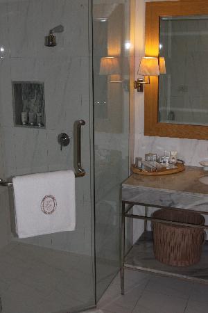 lebua at State Tower: eines der Badezimmer
