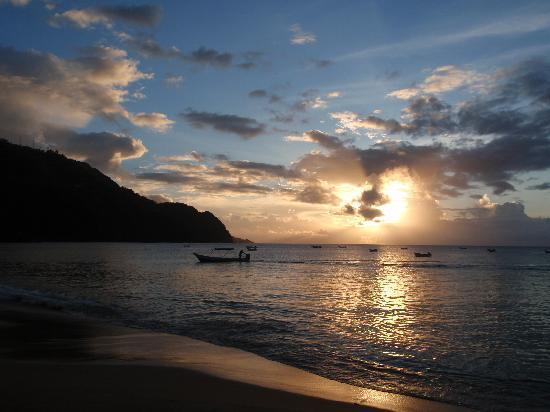 Castara Retreats: Sunset on Castara Beach