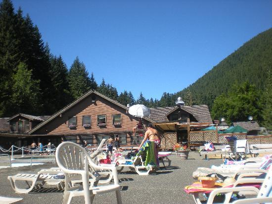 Sol Duc Hot Springs: The pools and pool deck