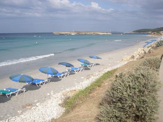 Santo Tomas, Spagna: la spiaggia vista dalla passeggiata