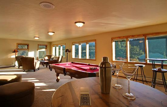 The Lodge at Two Rivers: Game room