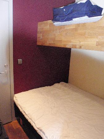 ركس بتيت: The beds, taken from the entrance door