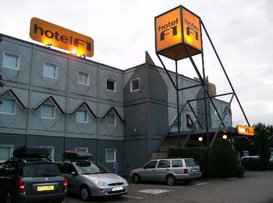 formule 1 mulhouse bale aeroport foto van hotelf1 mulhouse b le aeroport saint louis. Black Bedroom Furniture Sets. Home Design Ideas