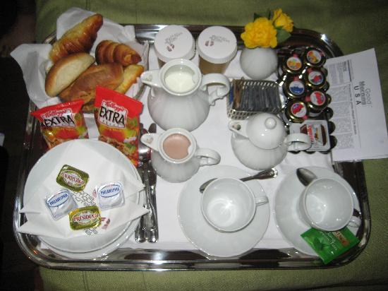 Roma Boutique Hotel: Breakfast delivered to your room each morning ;)