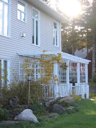 Cliffside Suites: Entrance to Herring Cove Suite