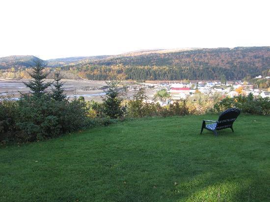 Cliffside Suites: View of Alma