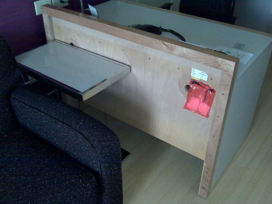 Embassy Suites by Hilton Raleigh - Durham Airport/Brier Creek: Unfinished Desk