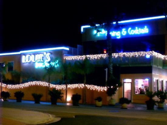 Louie's Backyard: Louie's at Christmastime - Louie's At Christmastime - Picture Of Louie's Backyard, South Padre