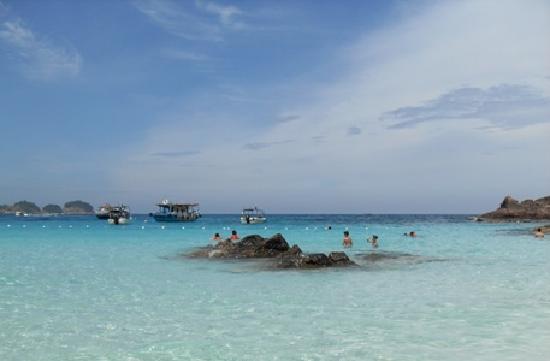 Laguna Redang Island Resort: sea in front of hotel