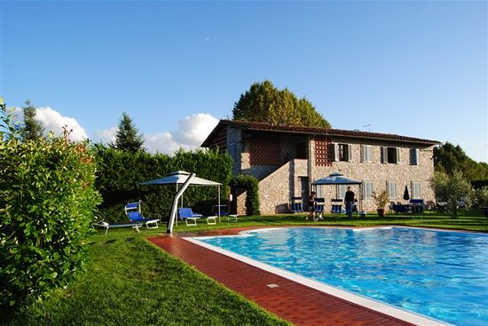 Casolare lucchese updated 2018 hotel reviews lucca - Hotels in lucca italy with swimming pool ...
