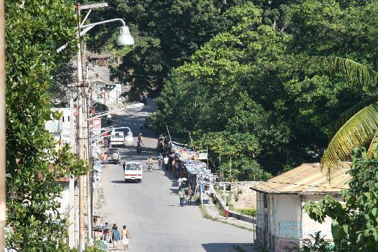 Pousada de Baucau: Main street, Baucau