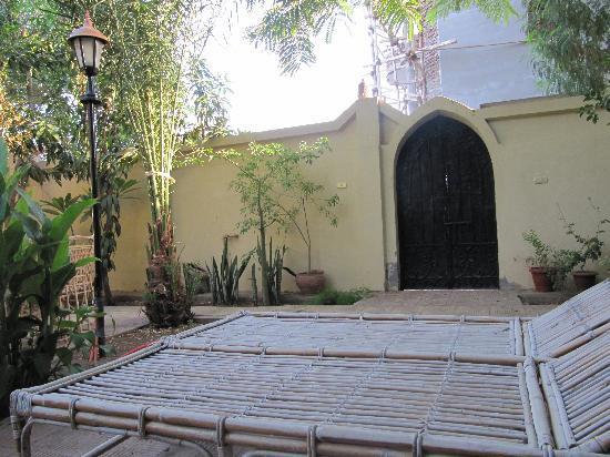 El Nakhil Hotel & Restaurant: Maravilloso jardin