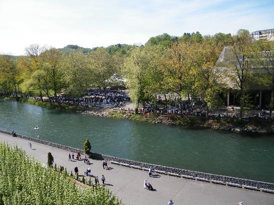 Hotel de Nevers : il fiume a fianco del santuario