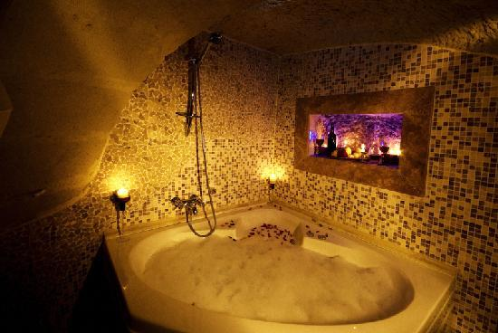 Perimasali Cave Hotel - Cappadocia: Galateia bathroom