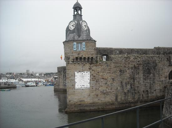 Hotel Du Port: Ville Close, fortified 'island' in the harbour
