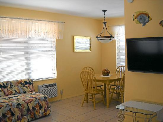 Grenier's On The Beach: 1 bedroom apartments