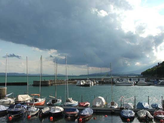 port in Neuchatel