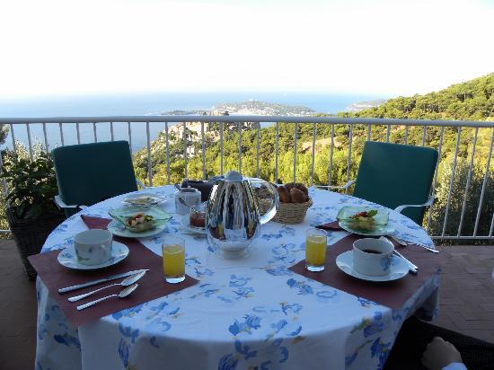 Domaine Pins Paul: petit déjeuner