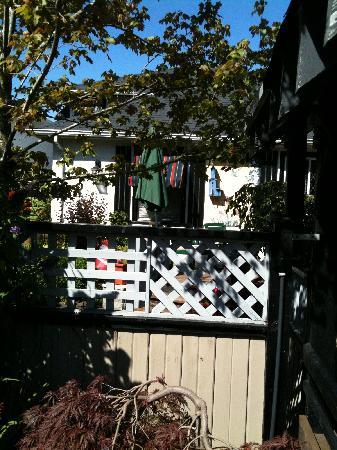 Heathergate House B&B: Front Garden
