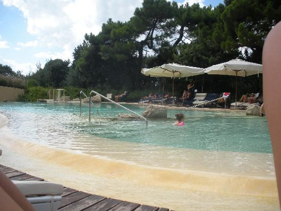 Castagneto Carducci, İtalya: piscina