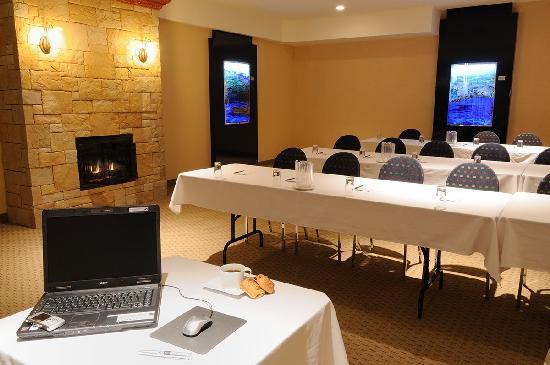 Hotel La Sagueneenne : Salle Saguenay/ Meeting room