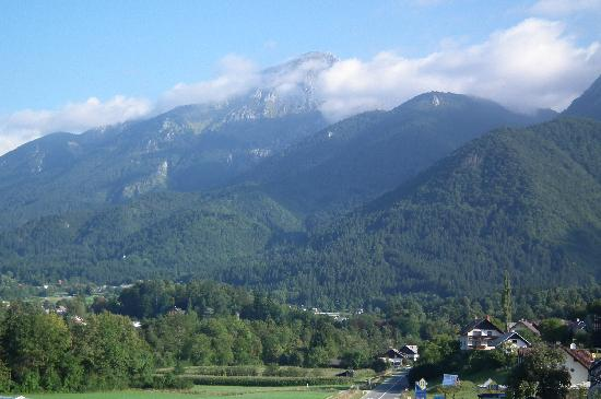 Preddvor, Slovenien: Morning view from the room balcony.