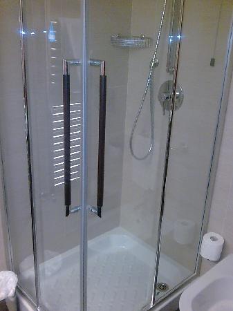 Hotel Selene: La doccia