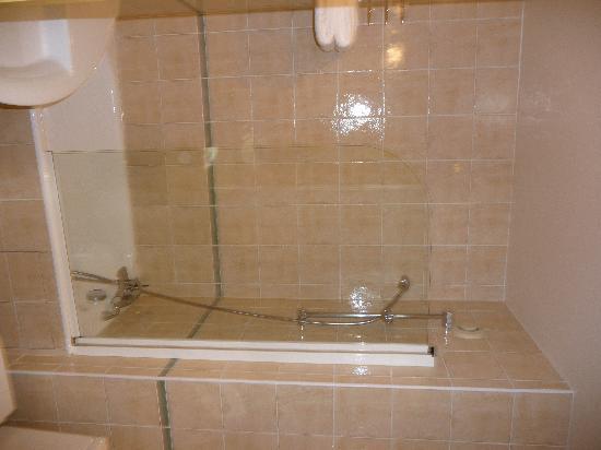 Hotel Residence Foch: Bathroom