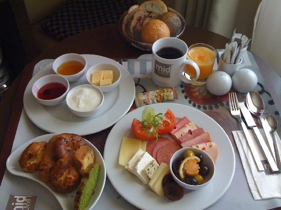 Midtown Hotel: Türkisches Frühstück