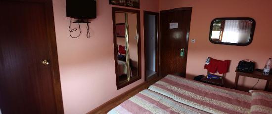 Hostal Europa: Foto 3 habitación 111