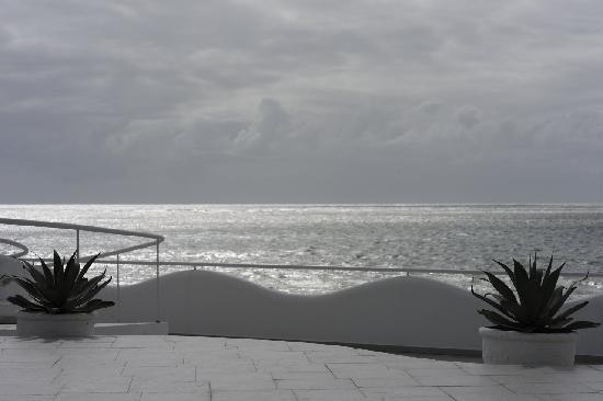 Paulista, PE : Casa Blance Resort Recife, Blick von der Terrasse auf's Meer