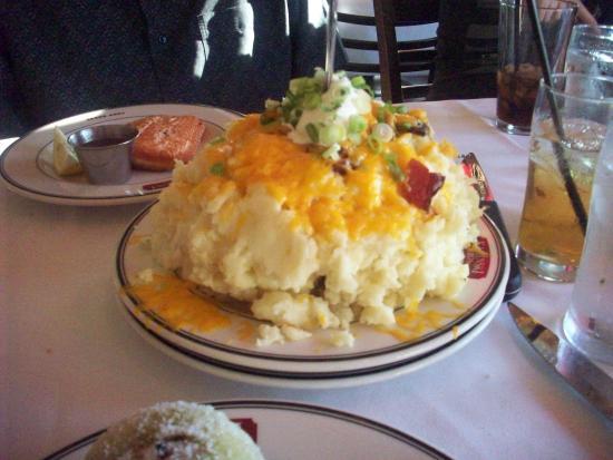 Kaminski's Chop House : loaded potatoes