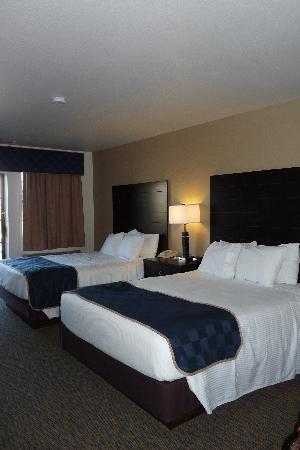 Days Inn & Suites Page Lake Powell : Very comfortable beds