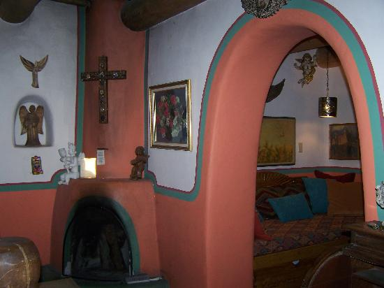 La Dona Luz Inn, An Historic Bed & Breakfast: Comfort and color