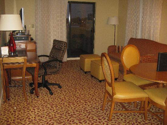 Towson University Marriott Conference Hotel: more living room