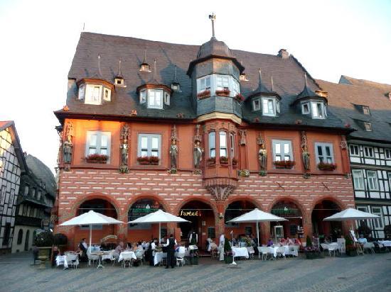 Goslar, Deutschland: front of hotel