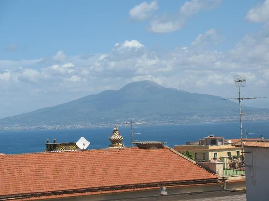 Old Taverna Sorrentina B&B: View from rooftop