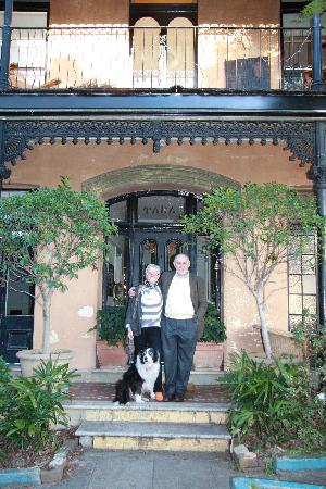 TARA Guest House: Brom, Julian and Ollie