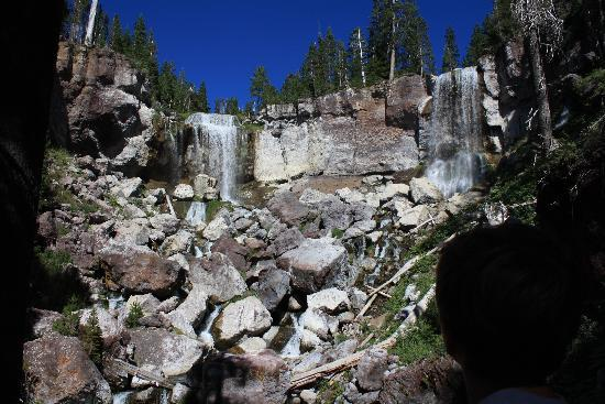 La Pine, Орегон: The waterfall - a short hike from the cabin