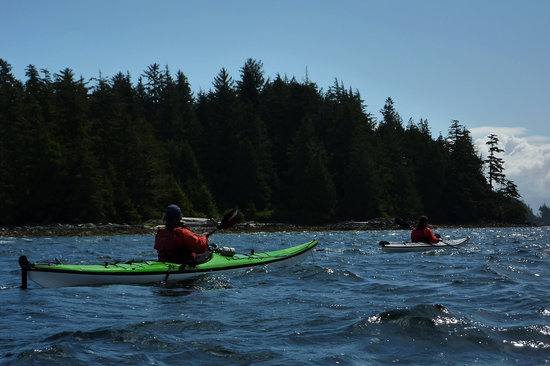 Majestic Ocean Kayaking : A secluded Beach