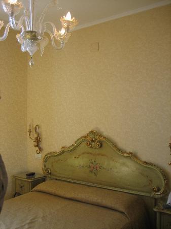Hotel Continental Venice: Hotel room