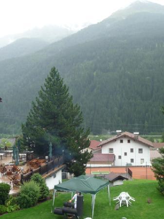 Hotel Gridlon Wellness am Arlberg: La météo était vraiment mauvaise ce jour-là