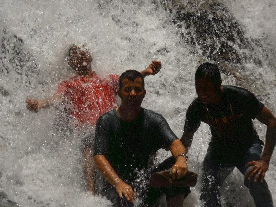 Tasik Temenggor Discovery Island: rainforest Waterfall with the guides